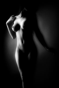 White Art, Black And White, Shadow Art, Body Poses, Caravaggio, Nude Photography, Light And Shadow, Low Key, Erotic Art