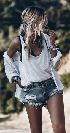 Over 30 trendy spring outfits to enchant you - Women Summer . - Over 30 trendy spring outfits to enchant you – Women& Summer Fashion – # Spr - Cute Summer Outfits, Spring Outfits, Casual Outfits, Outfit Summer, Jean Short Outfits, Beach Outfits, Dress Summer, Outfit Verano, Casual Shorts Outfit