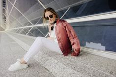 Spring Whites #outfit #fashion #topshop #hm #whites #spring #bomber #jacket #blog  https://www.instagram.com/emma_hentzen/