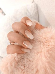 with nails white manicures \ with nails white ; with nails white nailart ; with nails white pink ; with nails white manicures ; with nails white silver glitter ; white nails with designs Best Acrylic Nails, Acrylic Nail Designs, Pink Nail Designs, Acrylic Art, White Glitter Nails, Pink Nails, Gold Glitter, Glittery Nails, Glitter Art