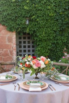 A romantic villa inspired wedding shoot as featured in Brides of North Texas. The idyllic and picturesque Tuscan wedding with a vintage flare.