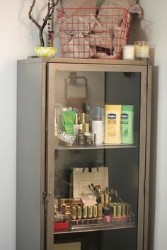 love this bathroom storage from apartment #34