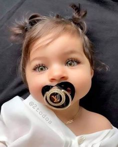 Cute Little Baby, Cute Baby Girl, Little Babies, Baby Kids, Baby Baby, Baby Sleep, Cute Baby Videos, Cute Baby Pictures, Beautiful Pictures