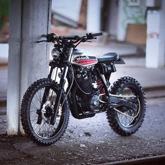 #motorcycles #streettracker #motos | caferacerpasion.com