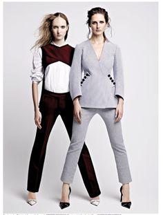 La mode : Eva, à gauche : Top et pantalon en crêpe burgundy, VICTORIA BECKHAM. Chemise en popeline de coton blanc, MAISON RABIH KAYROUZ. Escarpins asymétriques en élastiques tressés à la main et pointe en veau, DIOR. Sarah, à droite : Veste en jacquard de coton blanc et bleu marine, pantalon en jacquard de coton blanc et bleu marine, et escarpins asymétriques en élastiques tressés à la main et pointe en veau, DIOR.