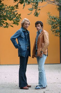 """Starsky and Hutch"" Paul Michael Glaser, David Soul Top Tv Shows, Great Tv Shows, Hollywood, 70s Fashion Men, Cops Tv, Paul Michael Glaser, Tv Detectives, Starsky & Hutch, Ford Torino"