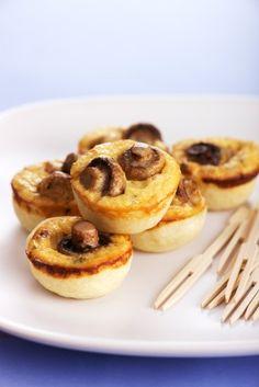 Mini quiche de champignon - Una forma fácil de preparar un quiche de champignon sin tener que hacer la masa. En este caso se reemplaza con pan de molde.