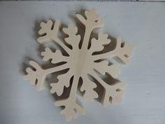 Schneeflocke aus Holz von good-in-wood auf DaWanda.com