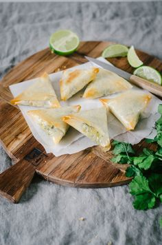 Samoussa végétarien aux légumes et épices indiennes #samoussa #recette #vegetarien #cuisinedumonde #légumes #recetteindienne
