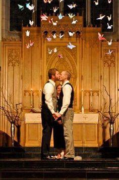 gay kiss male marriage mariage men church