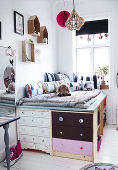 DIY Inspiration Kids Room | Raised drawer bed