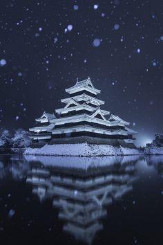 bmwistaさんの作品「雪中烏城(1)」(ID:4143381)のページです。撮影機材やExif情報も掲載しています。