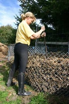 Horse manure: An easy guide to composting - Features - Horsetalk.co.nz
