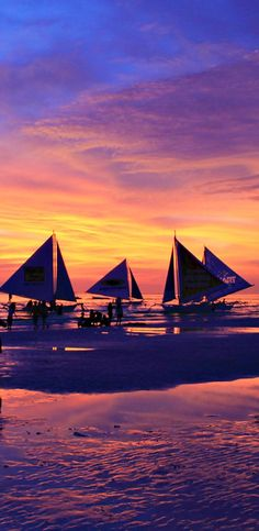 Sunset in Boracay ... I have seen the most gorgeous sunsets in the Philippines. The combination of the sea, the mountains and the reflections on the water leads to spectacular sunsets in all colors - from yellow, orange to red, pink and purple. Expect to see the best sunsets from the islands. No day goes by without seeing another phenomenal sunset.   20 Photos of the Philippines that will make you want to pack your bags and travel © Sabrina Iovino   via @Just1WayTicket