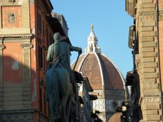 Focus on the Dome from via dei Servi.