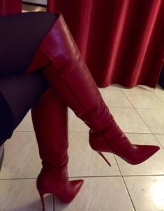 Here we find 54 best suitable women's long boots for winter that are unique and very fashionable. These are the best long boots for ladies and girls. Knee High Heels, Thigh High Boots, Over The Knee Boots, Leather High Heel Boots, Heeled Boots, Bootie Boots, Sexy Stiefel, Stiletto Boots, Red Boots