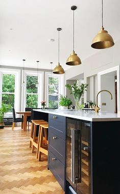 Lighting Create a beautiful kitchen with handcrafted lights! Open Plan Kitchen Dining Living, Living Room Kitchen, Home Decor Kitchen, New Kitchen, Home Kitchens, Kitchen Island, Granite Kitchen, Kitchen Backsplash, Kitchen Interior Inspiration