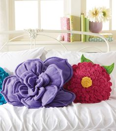 "14"" Fleece Flower Pillows 
