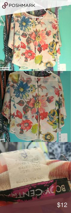 Small Body Central Floral Top!! Perfect condition, Beautiful Body Central Top!! Chiffon material, 2 buttons going down the back, floral print! Body Central Tops Blouses