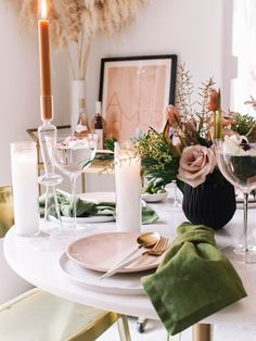 Entertain & Eat How to make the perfect spring tablescape Thanksgiving Table Settings, Spring Party, Wedding Table Settings, Fall Table, Tablescapes, Table Decorations, Garden Decorations, Centerpieces, Home Decor