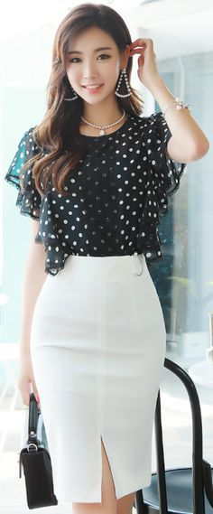 StyleOnme_Pearl Accent D-Shaped Buckle Front Slit Pencil Skirt Office Fashion, Work Fashion, Asian Fashion, Fashion Outfits, Womens Fashion, Fashion Trends, Fashion Jewelry, Asian Woman, Asian Girl