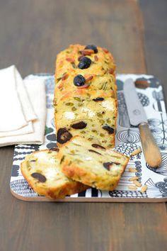 Cake aux haricots verts, feta, pignons et olives noires : la recette facile