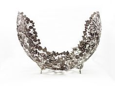 OB054M Tropical leaf 14x44x33 cm.Price: 309.41 $ Pewter products for home Decoration. #pewter #designer #leaves #pumeria #decor #homedecoration