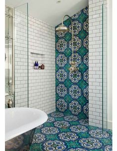 Vintage tiled bathroom.