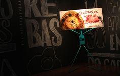 Luminária #prontofalei personalizada por Karina Oliveira - KOT - para Follow the Colours.