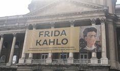 Végre sikerült eljutnunk a Magyar Nemzeti Galéria által szervezett Frida Kahlo kiállításra. Az életéről már írtam, de szembesülni szemtől szembe... Mexico City, Broadway Shows, Louvre, Marvel, Building, Frida Kahlo, Bebe, Buildings, Construction