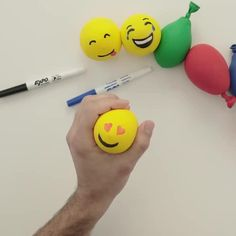 DIY Stress Balls for Your Classroom. Make your own stress balls and then decorate them. Get ideas here for making a ninja stress ball, an emoji stress ball, and more. Plus get our favorite recipe! Diy Crafts For Girls, Diy Crafts To Do, Diy Crafts Hacks, Cute Crafts, Diy For Kids, Creative Crafts, Diy Fidget Toys, Diy Toys, Anti Stress Ball