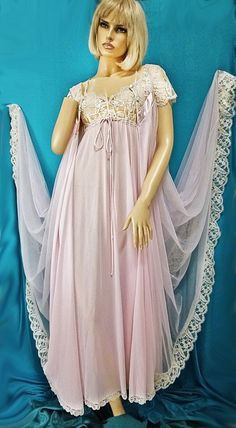 Vintage Claire Sandra-Lucie Anne-Pink Embroidered Peignoir Set