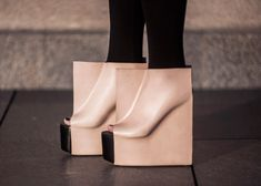 Rectangle shoes by Maria Nina Vaclavek reveal feet outlines | Sup3rb