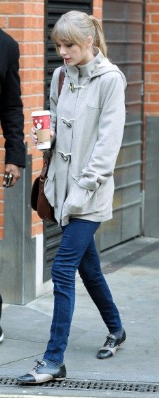I generally like Taylor's style.  It's simple, cute, and she seems to share my love for oxfords :)