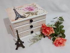 Cômoda Porta Jóias Rosa e Paris