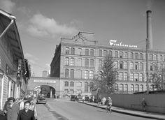 Finlaysonin työläisten työpäivä on päättynyt vuonna 1954. … | Flickr Photo Archive, Louvre, Building, Travel, Viajes, Buildings, Destinations, Traveling, Trips