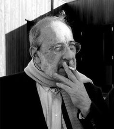 This man is boss at regionalism. Philip Johnson, Architecture People, Portraits, Painters, Smoking, Artist, Boss, Designers, Arquitetura