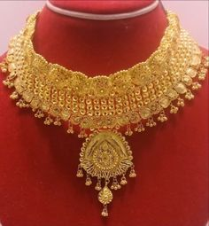 How Sell Gold Jewelry Gold Bangles Design, Gold Jewellery Design, Gold Jewelry, Jewelry Sets, Gold Choker Necklace, Gold Necklaces, Earrings, Necklace Designs, Bridal Jewelry