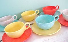 Vintage Mid Century Modern Speckled Pastel Melmac Cups and Saucers