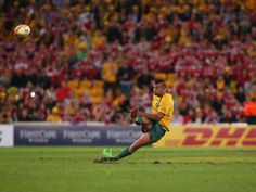 Bad footing for Kurtley