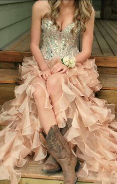 Are you a country girl? We think a pair of cowgirl boots would look adorable underneath a beautiful gown! #blushprom #shoes