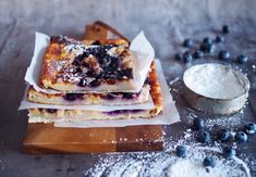 Mehevä ja helppo banaani-mustikkapannari - Himahella Finnish Recipes, A Food, Food And Drink, Bun In The Oven, Scandinavian Food, Sweet Bakery, Sweet Pastries, Let Them Eat Cake, Yummy Food
