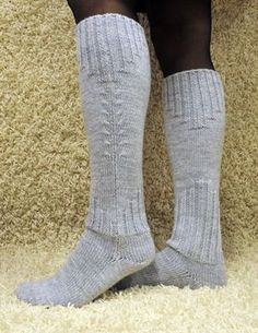 Teetee Pallas pitkät ohuet villasukat Crochet Socks, Knitting Socks, Knit Crochet, Wool Socks, Knit Picks, Boot Cuffs, Knee Socks, Crochet Accessories, Leg Warmers