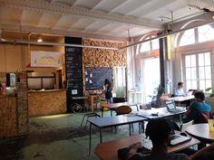 Le projet fou des Grands Voisins dans le 14e : logements sociaux, bar-restaurant, serres et camping...