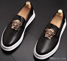 2019 Top Quality Fashion men rivet causal Platform flats shoes loafers for mens Rock hip hop Dress Footwear Sneakers Mode, Loafer Sneakers, Casual Sneakers, Casual Shoes, Satin Shoes, Strappy Shoes, Mens Fashion Shoes, Sneakers Fashion, Zapatillas Louis Vuitton