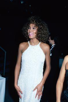 Whitney Houston in 1986. - Cosmopolitan.com