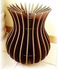 Diy Cardboard Furniture, Cardboard Box Crafts, Cardboard Sculpture, Cardboard Paper, Paper Crafts Origami, Vase Crafts, Bottle Crafts, Diy Crafts Hacks, Diy And Crafts