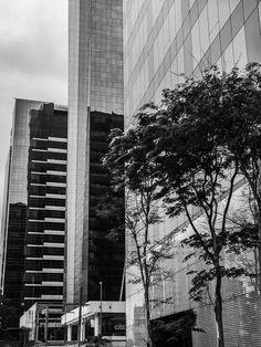 Alinhamento dos prédios espelhados - Av. Brigadeiro Faria Lima