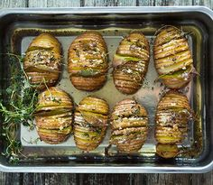 Lag hasselback-poteter med deilig sprøhet med Beate-poteter. Hasselback-potet er et alternativ til bakt potet og passer som tilbehør til alt.