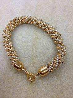 Russian Spiral Bracelet Beaded Bracelet Patterns, Beaded Necklace, Beaded Bracelets, Jewelry Making Beads, Beautiful Necklaces, Handmade Jewelry, Jewelry Design, Fashion Jewelry, Crochet